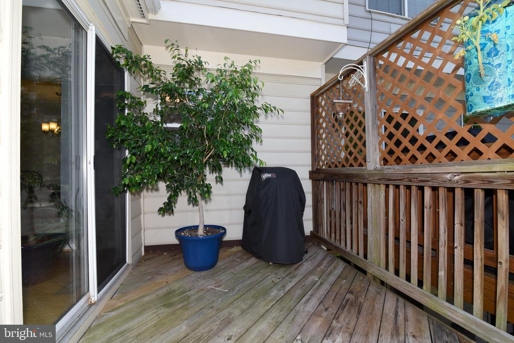 DECK - 112 CONNERY TER SW, LEESBURG