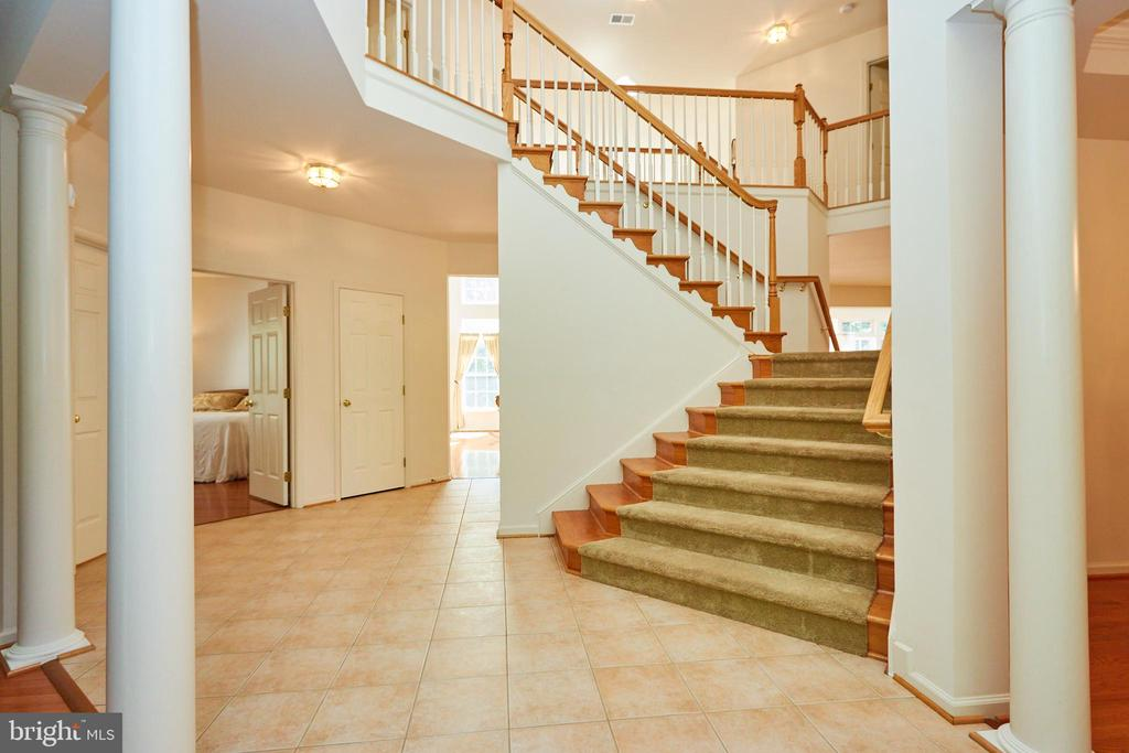Foyer with grand staircase - 619 BRECKENRIDGE WAY, SHENANDOAH JUNCTION