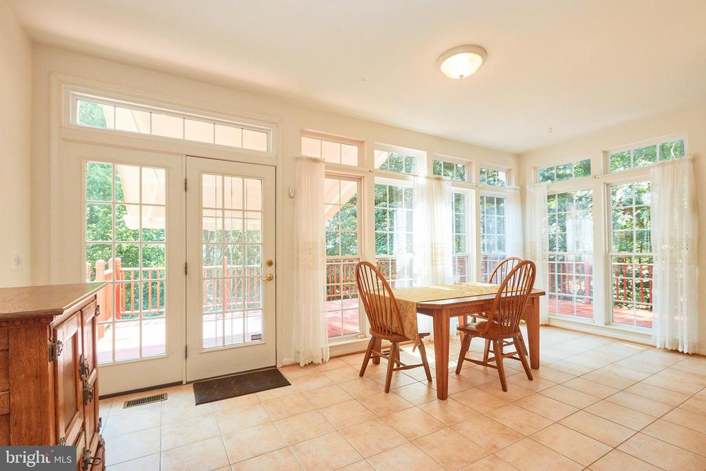 Breakfast sunroom off the kitchen with deck access - 619 BRECKENRIDGE WAY, SHENANDOAH JUNCTION