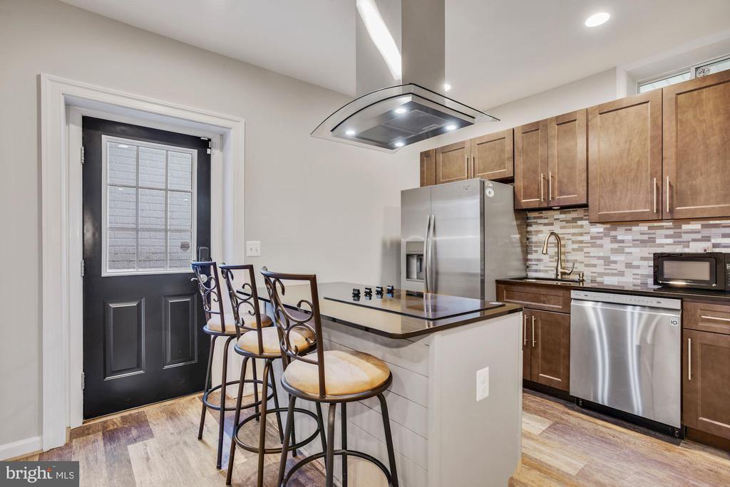Kitchen in Lower Level Apartment - 41192 BLACK BRANCH PKWY, LEESBURG