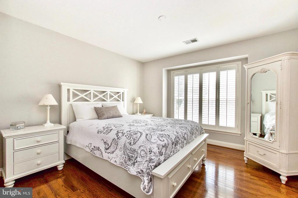 Bedroom #3 also has shutters and hardwood - 25659 TREMAINE TER, CHANTILLY