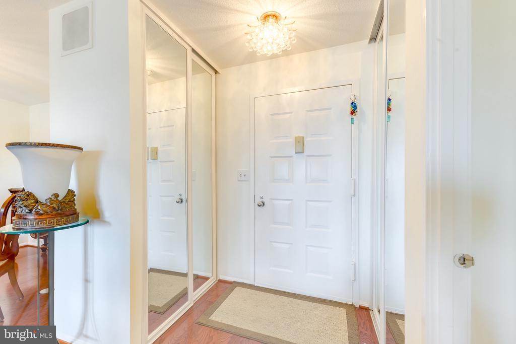 Foyer to Home - 8340 GREENSBORO #903, MCLEAN