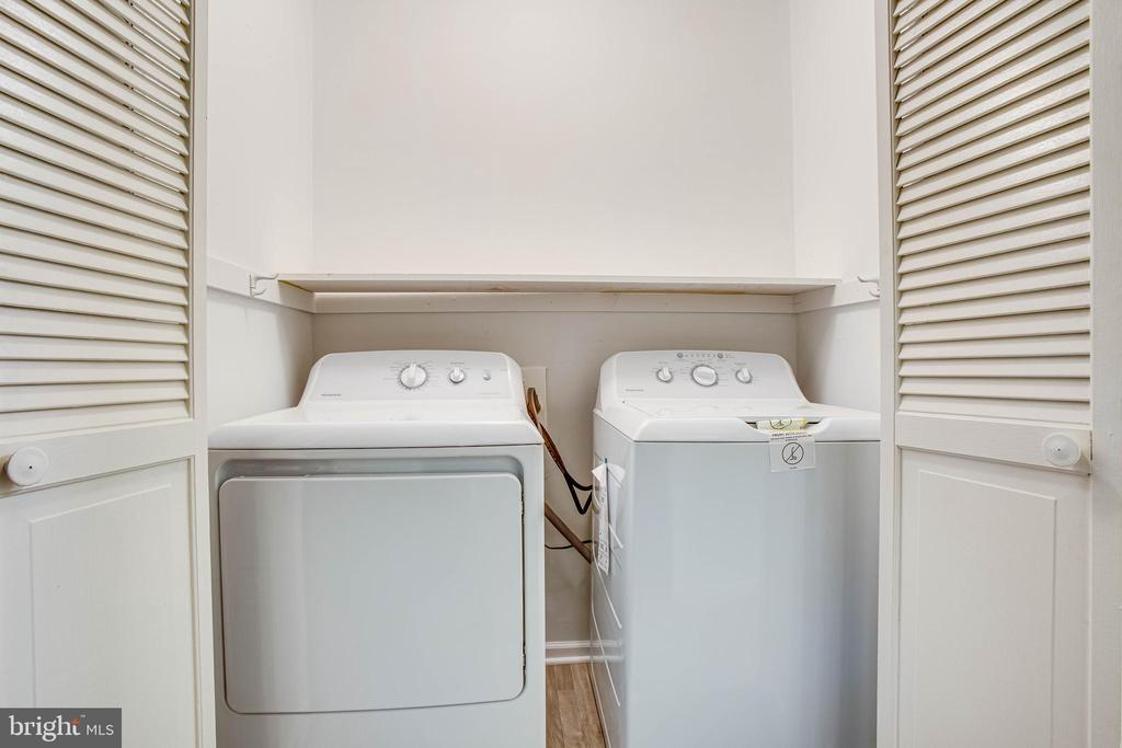 Easily accessible laundry - 1217 EASTOVER PKWY, LOCUST GROVE