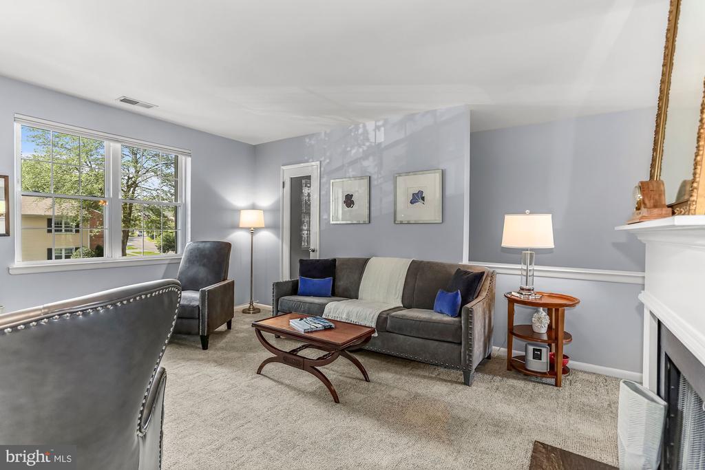 Living Room 4 - 2621 S WALTER REED DR #D, ARLINGTON
