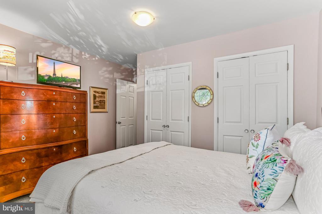 Primary Bedroom with Two Closets - 2621 S WALTER REED DR #D, ARLINGTON