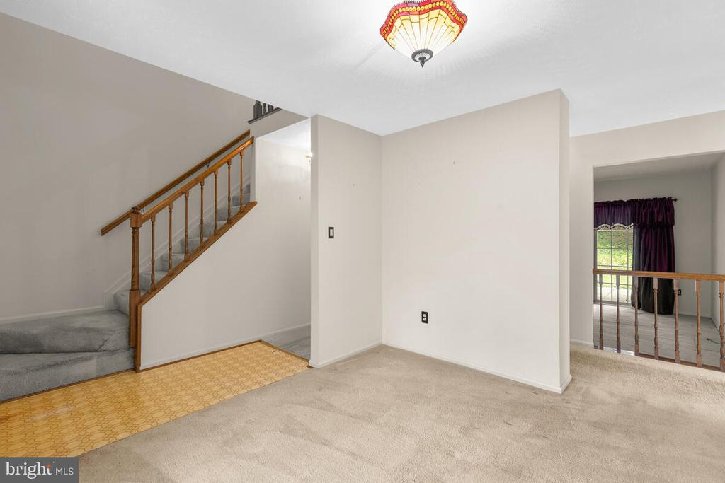 Living Room w/view of Stairway & Family Room - 3000 BEETHOVEN WAY, SILVER SPRING