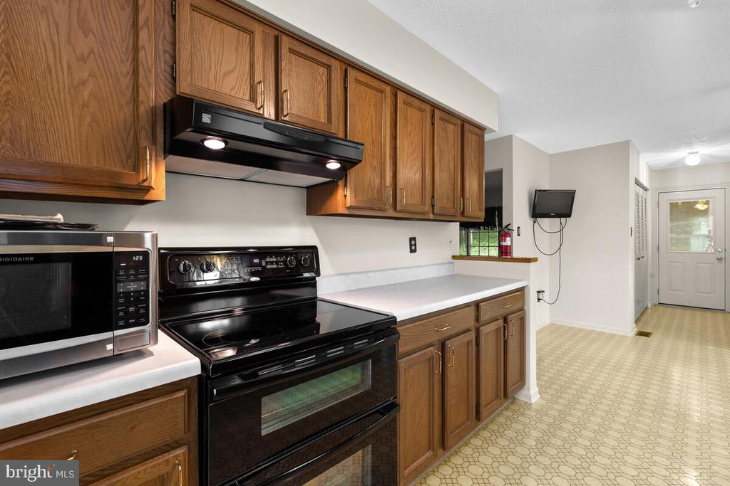 Alternate View of Kitchen - 3000 BEETHOVEN WAY, SILVER SPRING