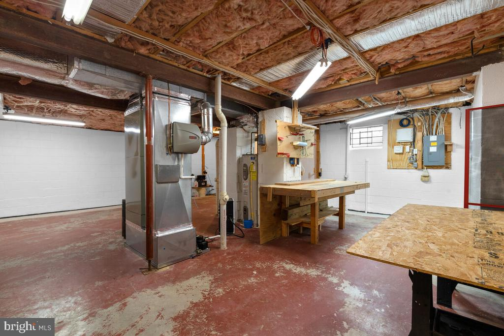 Unfinished Lower Level w/Workshop & Utilities - 3000 BEETHOVEN WAY, SILVER SPRING