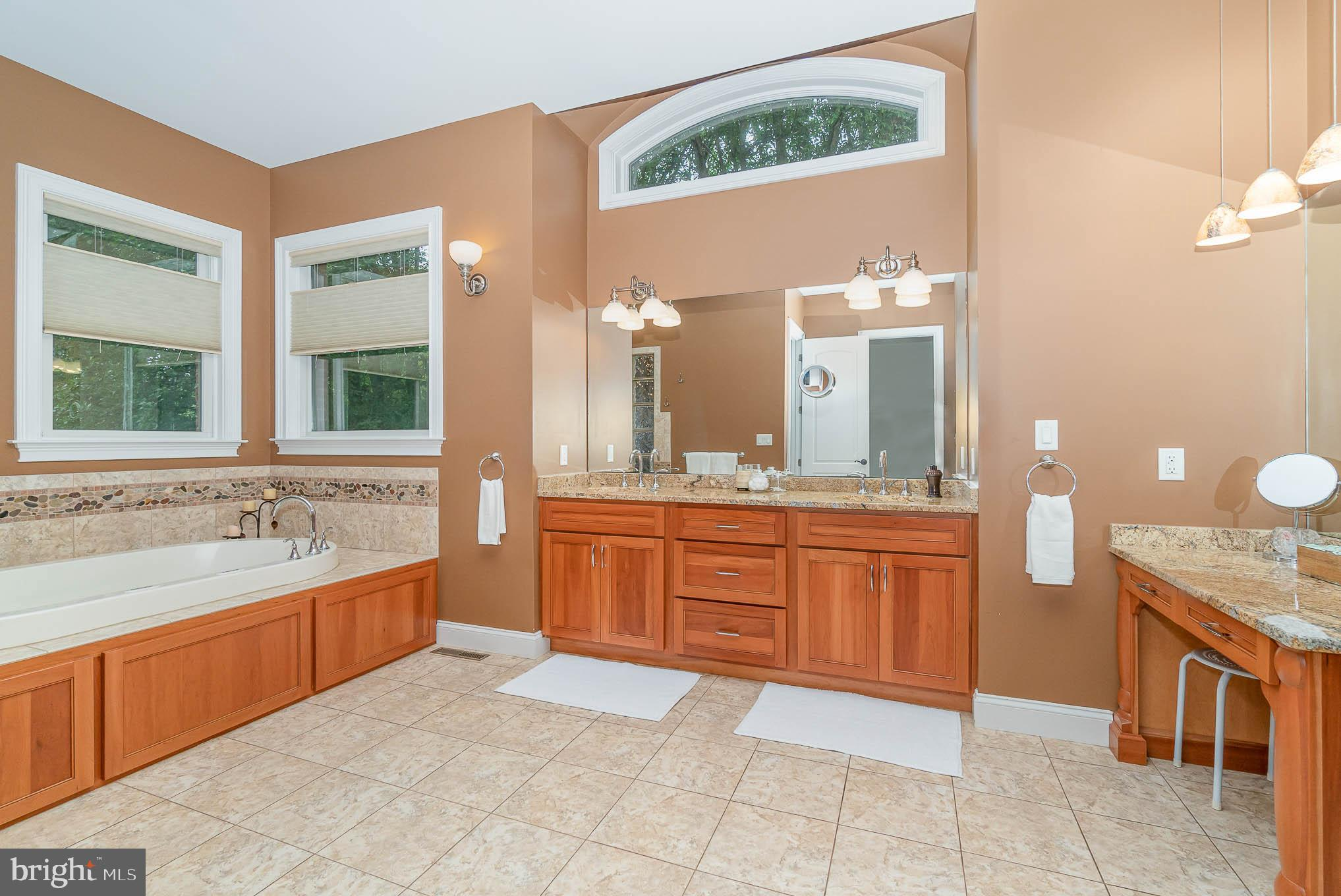 Master bath with double vanity & whirlpool tub