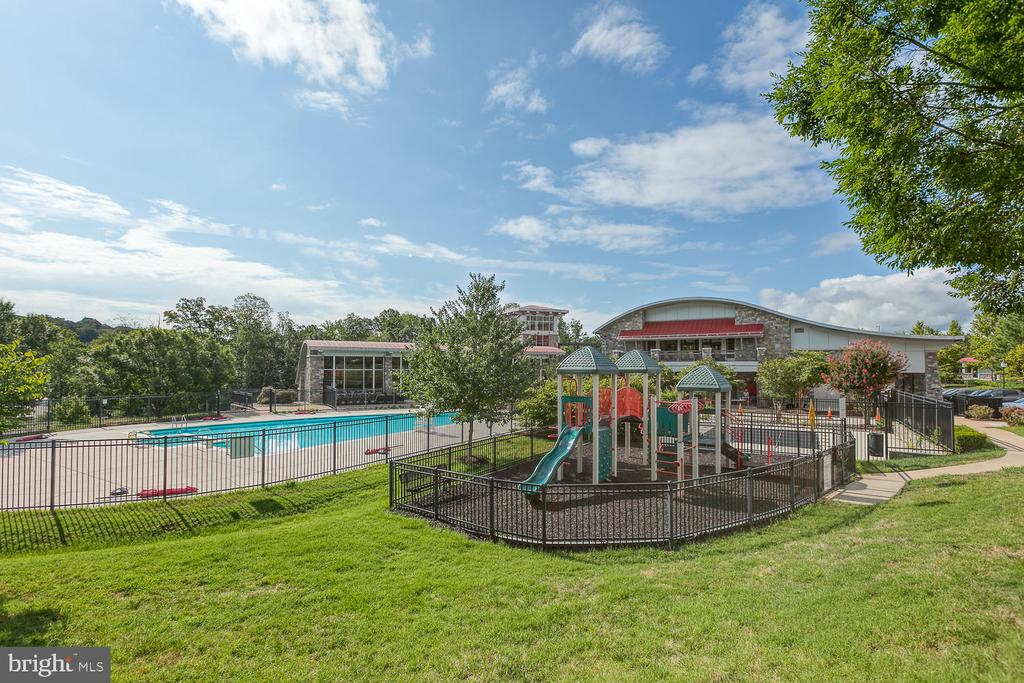 One of the playgrounds for the young ones - 2285 MERSEYSIDE DR, WOODBRIDGE