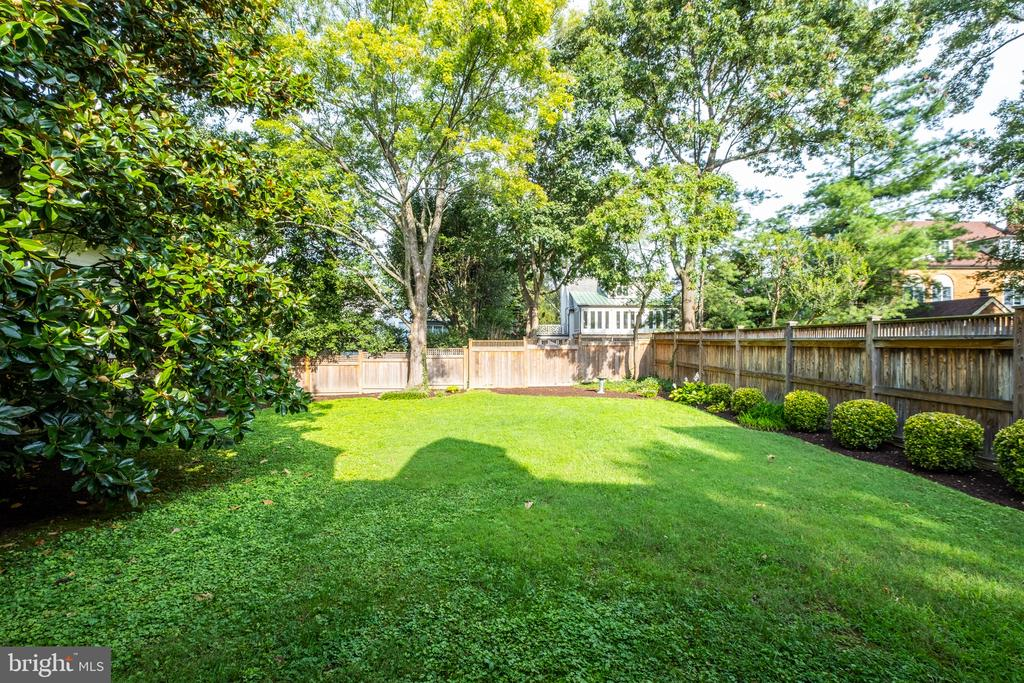 Enjoy the mature trees and lush lawn. - 6112 WOODMONT RD, ALEXANDRIA