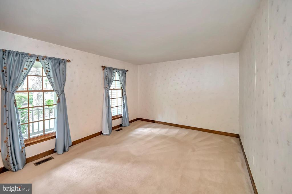 Living Room - 9704 PAMELA CT, SPOTSYLVANIA