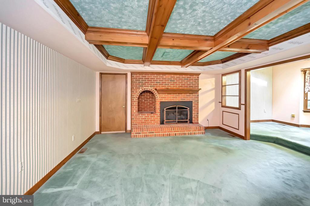 Family Room with Gas Fireplace - 9704 PAMELA CT, SPOTSYLVANIA