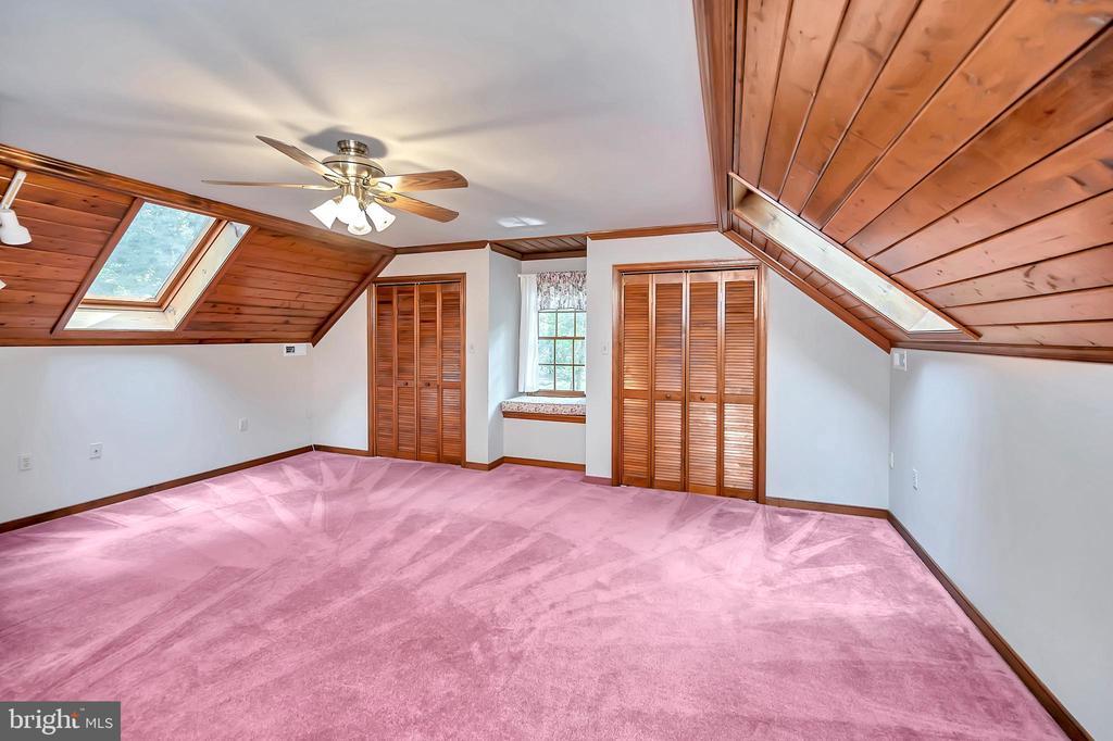 3rd Floor Sitting Room/Den - 9704 PAMELA CT, SPOTSYLVANIA