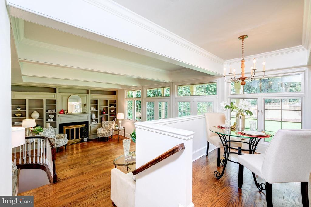And an elevated breakfast seating area above - 6112 WOODMONT RD, ALEXANDRIA