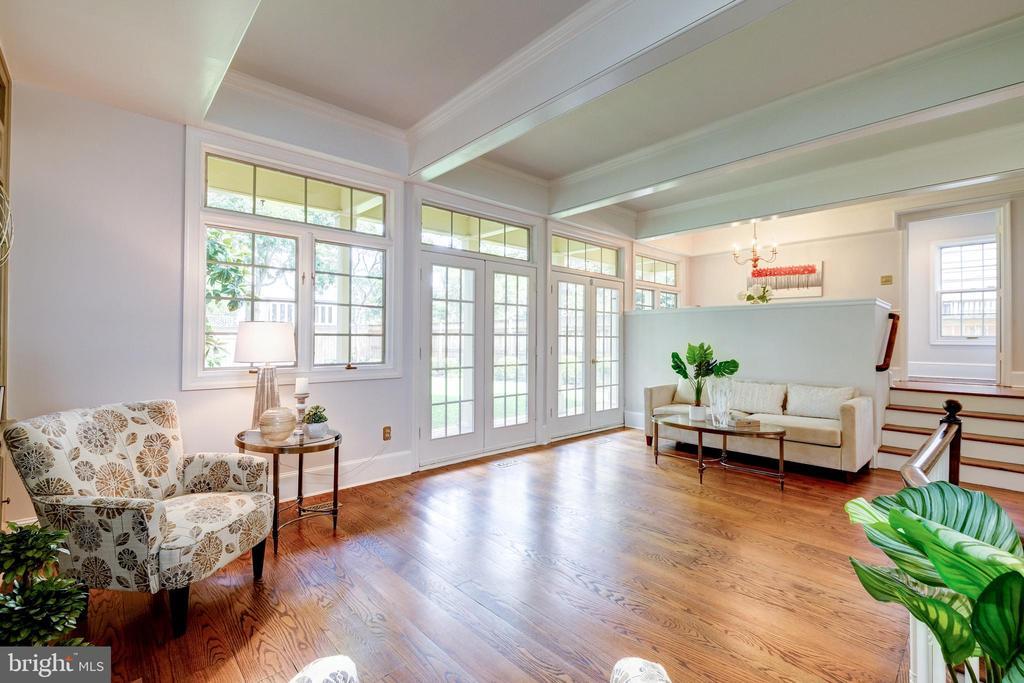 Enjoy a gracious family room - 6112 WOODMONT RD, ALEXANDRIA
