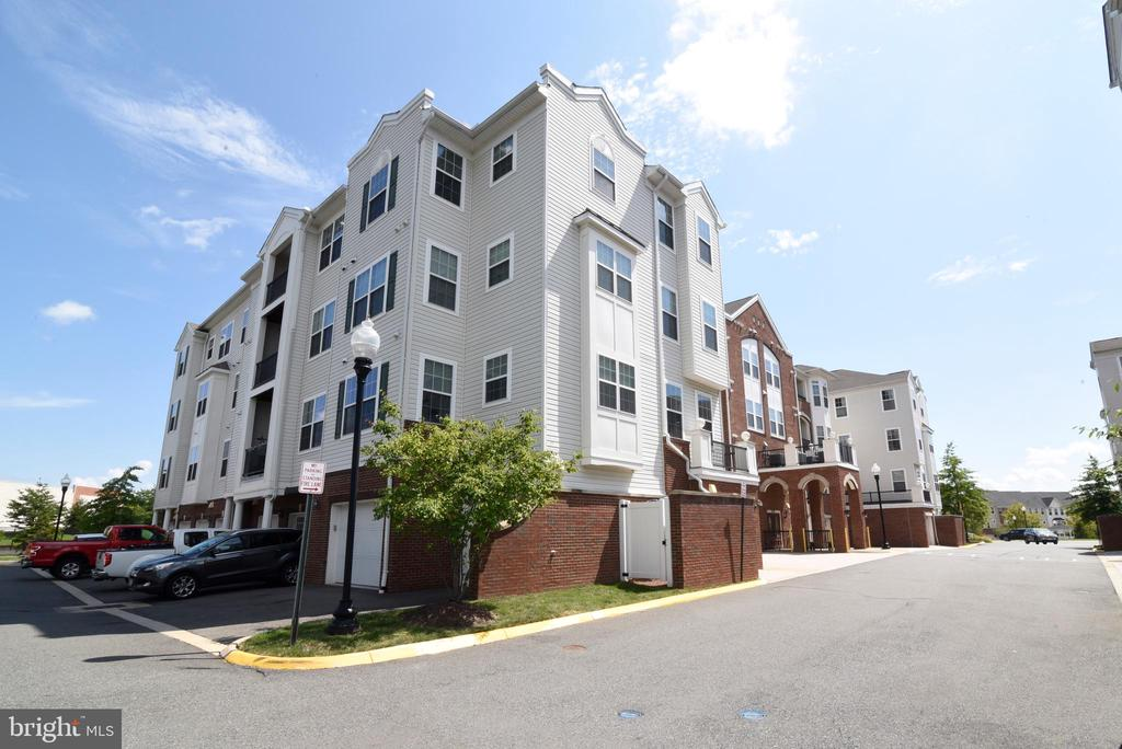 Easy walk from parking space and detached garage - 9200 CHARLESTON DR #201, MANASSAS