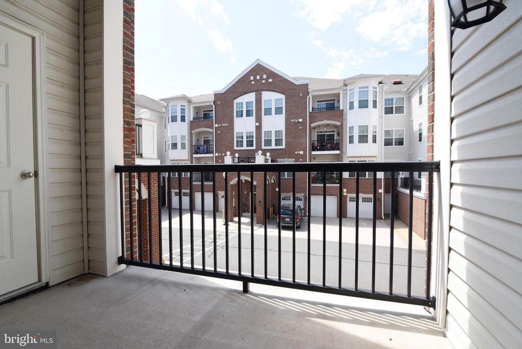Private balcony off of living room - 9200 CHARLESTON DR #201, MANASSAS