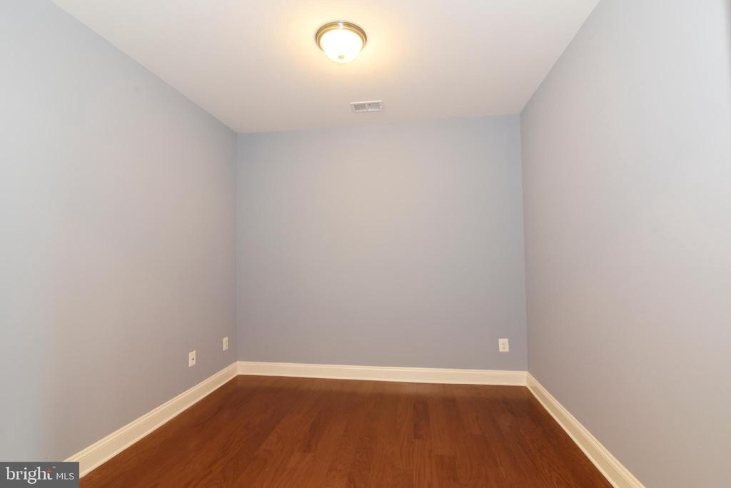 Formal dining room, or office, or other - 9200 CHARLESTON DR #201, MANASSAS
