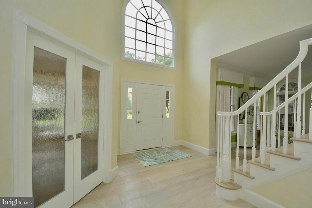 ENTRANCE FOYER WITH GLASS DOORS TO  OFFICE - 10203 BRITTENFORD DR, VIENNA