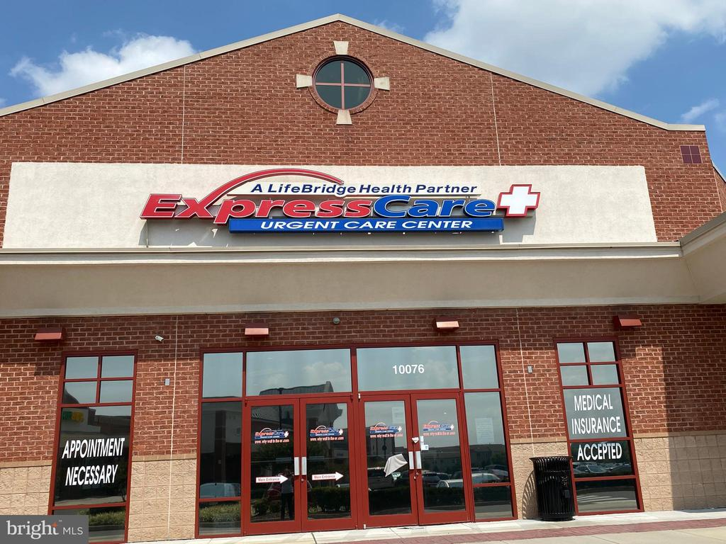 Urgent Care and Giant Foods  in Wellington Station - 9200 CHARLESTON DR #201, MANASSAS