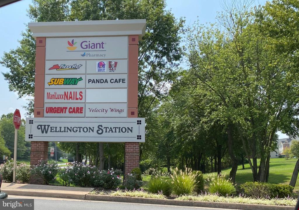Walk to Wellington Station - 9200 CHARLESTON DR #201, MANASSAS