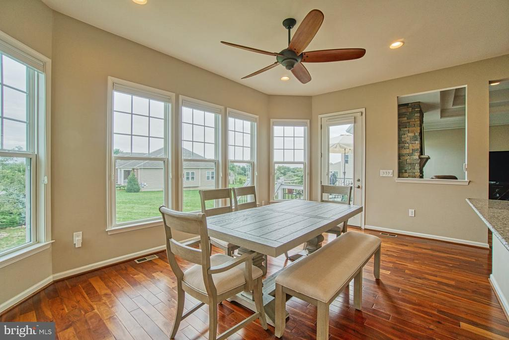 Tons of natural light! - 16604 FOX CHASE CT, LEESBURG