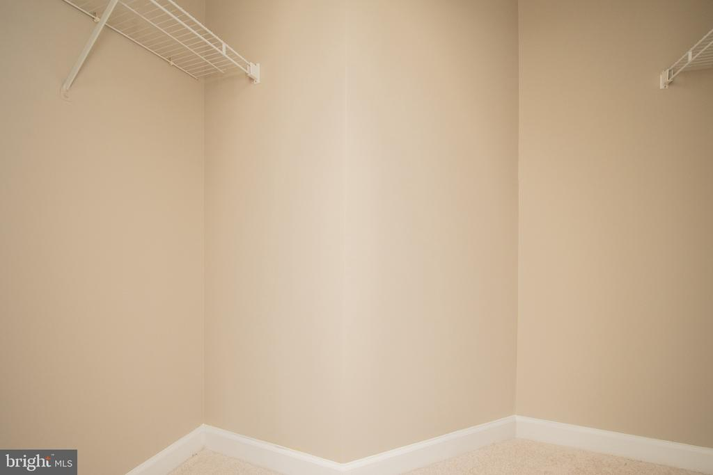Master Closet - 18621 KERILL RD, TRIANGLE