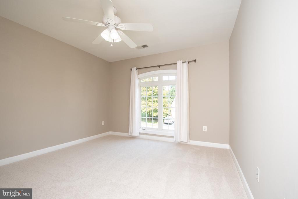 In suite bedroom - 18621 KERILL RD, TRIANGLE
