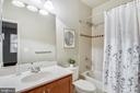 Lower Level Bathroom - 25146 DRILLFIELD, CHANTILLY