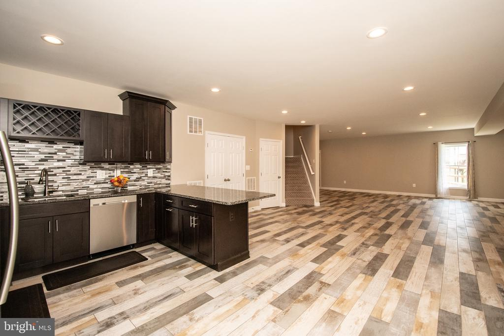 Second kitchen -lower level - 18621 KERILL RD, TRIANGLE