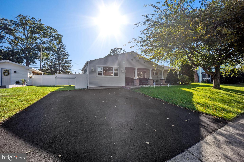 11 Meadow Lane , LEVITTOWN, Pennsylvania image 1