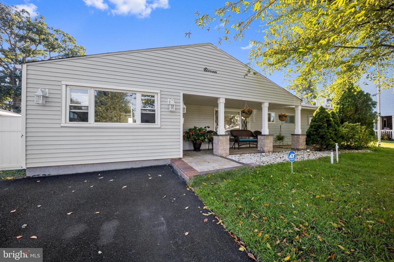 11 Meadow Lane , LEVITTOWN, Pennsylvania image 3