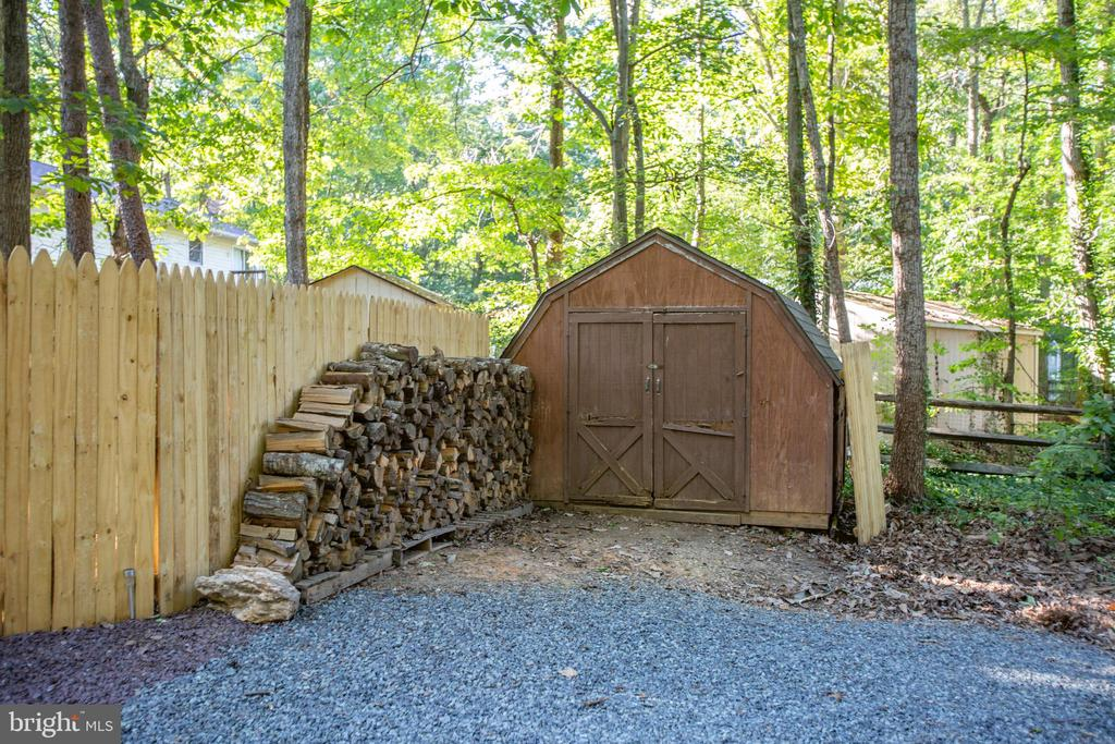 Shed and new fencing - 12400 TOLL HOUSE RD, SPOTSYLVANIA