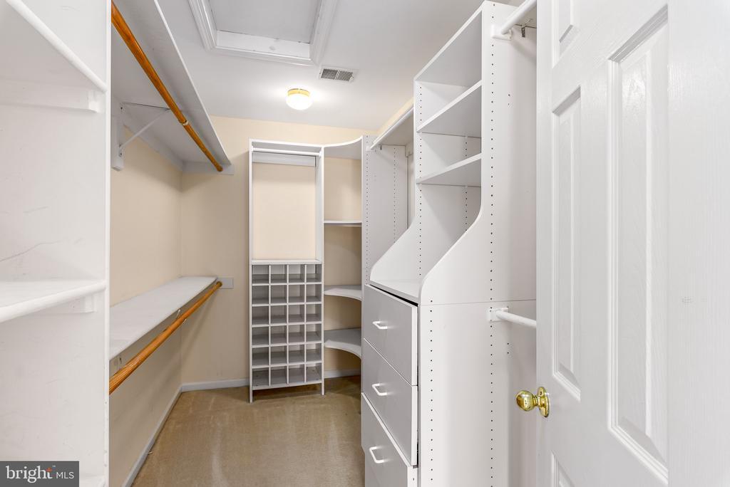 Master Bedroom Closet with Built-ins - 46490 CEDARHURST DR, STERLING