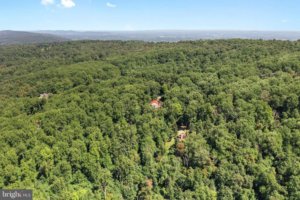 VIEW NE FROM DRONE 400' ABOVE - 19079 BLUERIDGE MOUNTAIN RD, BLUEMONT