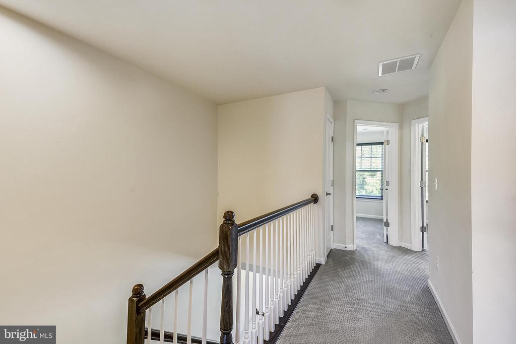 Upstairs Hallway leading to 2 bedrooms & bathroom - 44021 EASTGATE VIEW DR, CHANTILLY