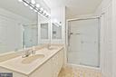 walk in shower - 19375 CYPRESS RIDGE TER #711, LEESBURG