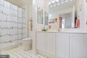 2nd full bathroom - 19375 CYPRESS RIDGE TER #711, LEESBURG
