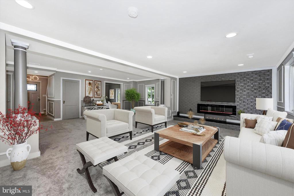 Open Concept Living - Staged To Perfection - 6121 QUINN RD, FREDERICK