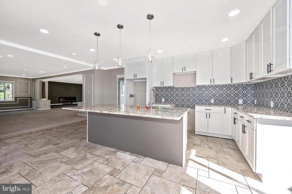 Stainless Steel Appliances Arrive Before Closing! - 6121 QUINN RD, FREDERICK