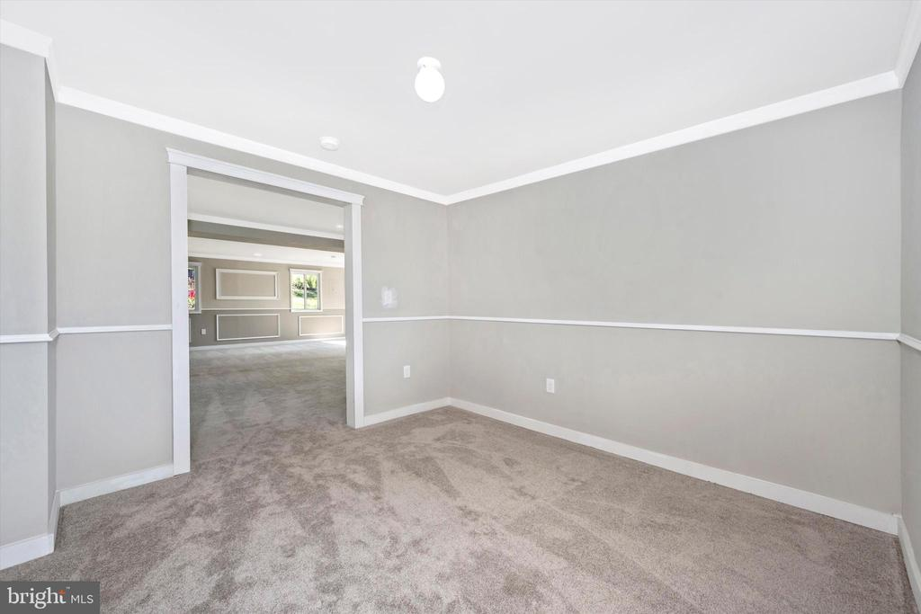 Office Conveniently Located On The Ground Level - 6121 QUINN RD, FREDERICK