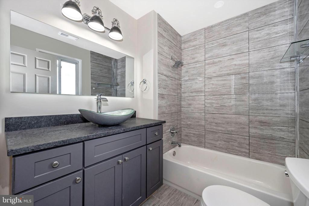 Primary Bath - The Mirror Tells You The Weather! - 6121 QUINN RD, FREDERICK