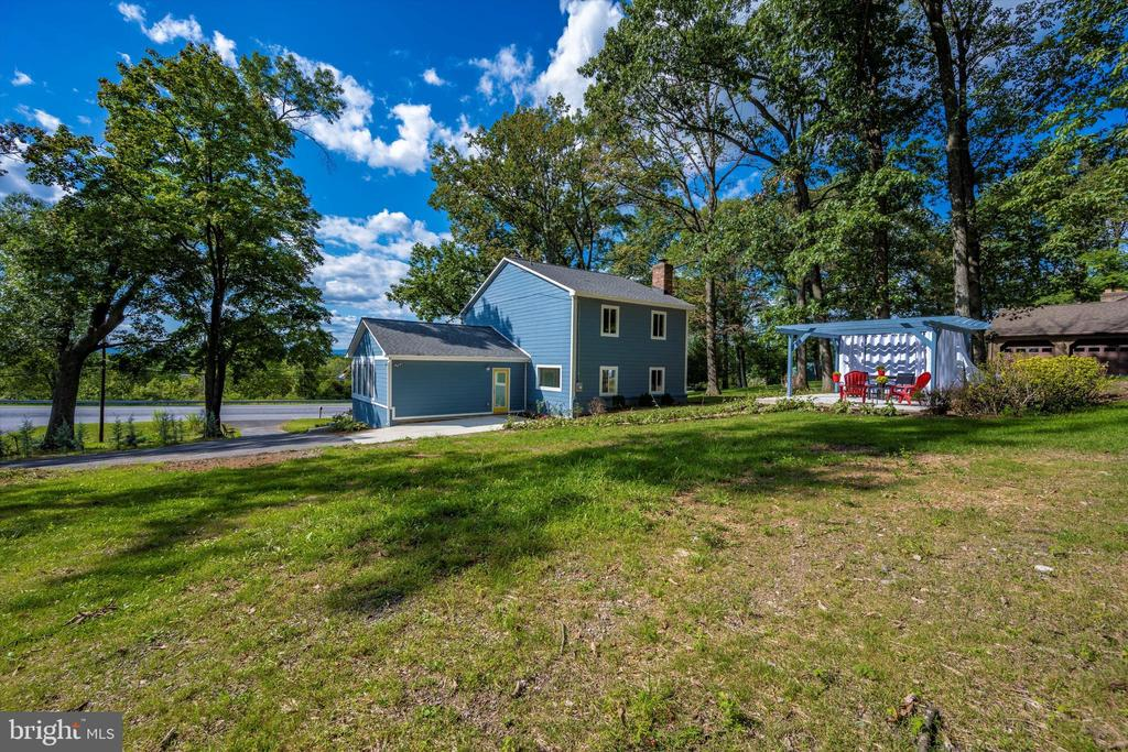 Great Yard For A BBQ! - 6121 QUINN RD, FREDERICK