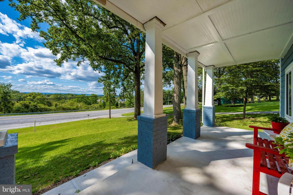 Price, Location, Views & Style - 6121 QUINN RD, FREDERICK