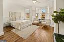 Bay front primary bedroom. - 321 F ST NE, WASHINGTON
