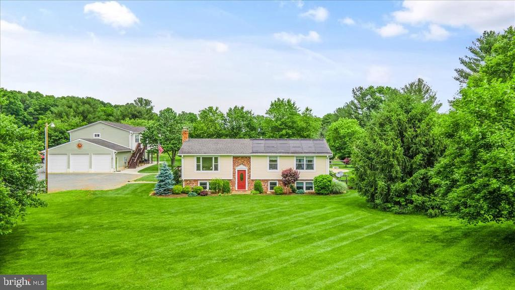 Home, Huge Garage/Outbuildings & Almost 6 Acres - 37872 CHARLES TOWN PIKE, HILLSBORO