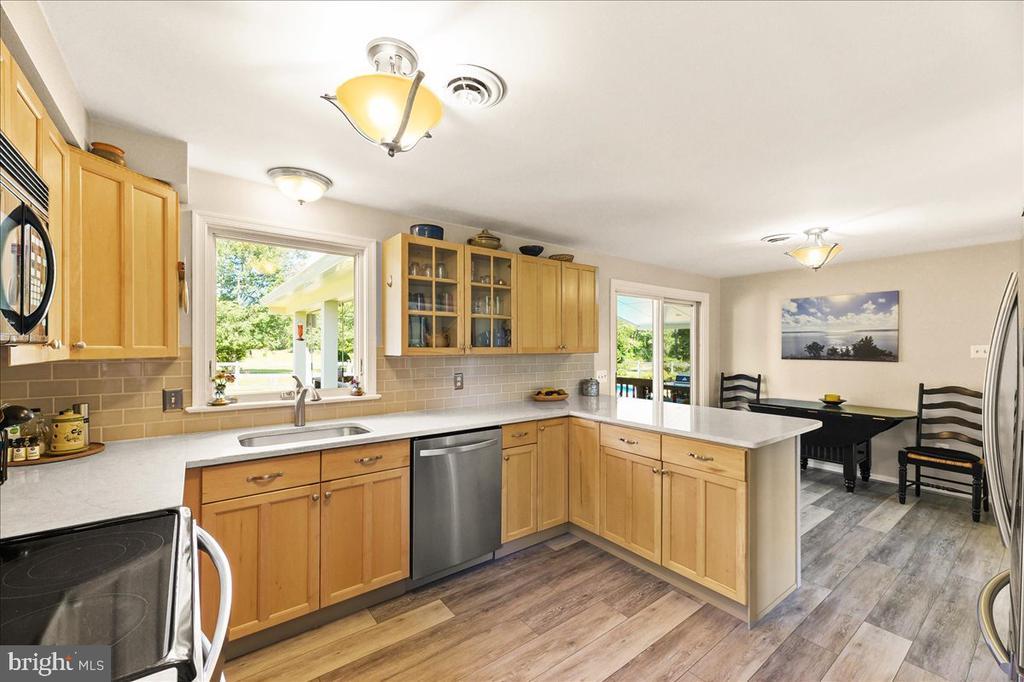 Lovely Remodeled Kitchen - 37872 CHARLES TOWN PIKE, HILLSBORO