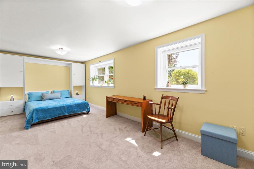 Large Lower Lvl Bedroom - 37872 CHARLES TOWN PIKE, HILLSBORO