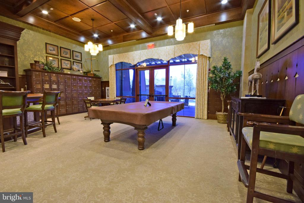 Community Center - billiards & bar - 238 LONG POINT DR, FREDERICKSBURG